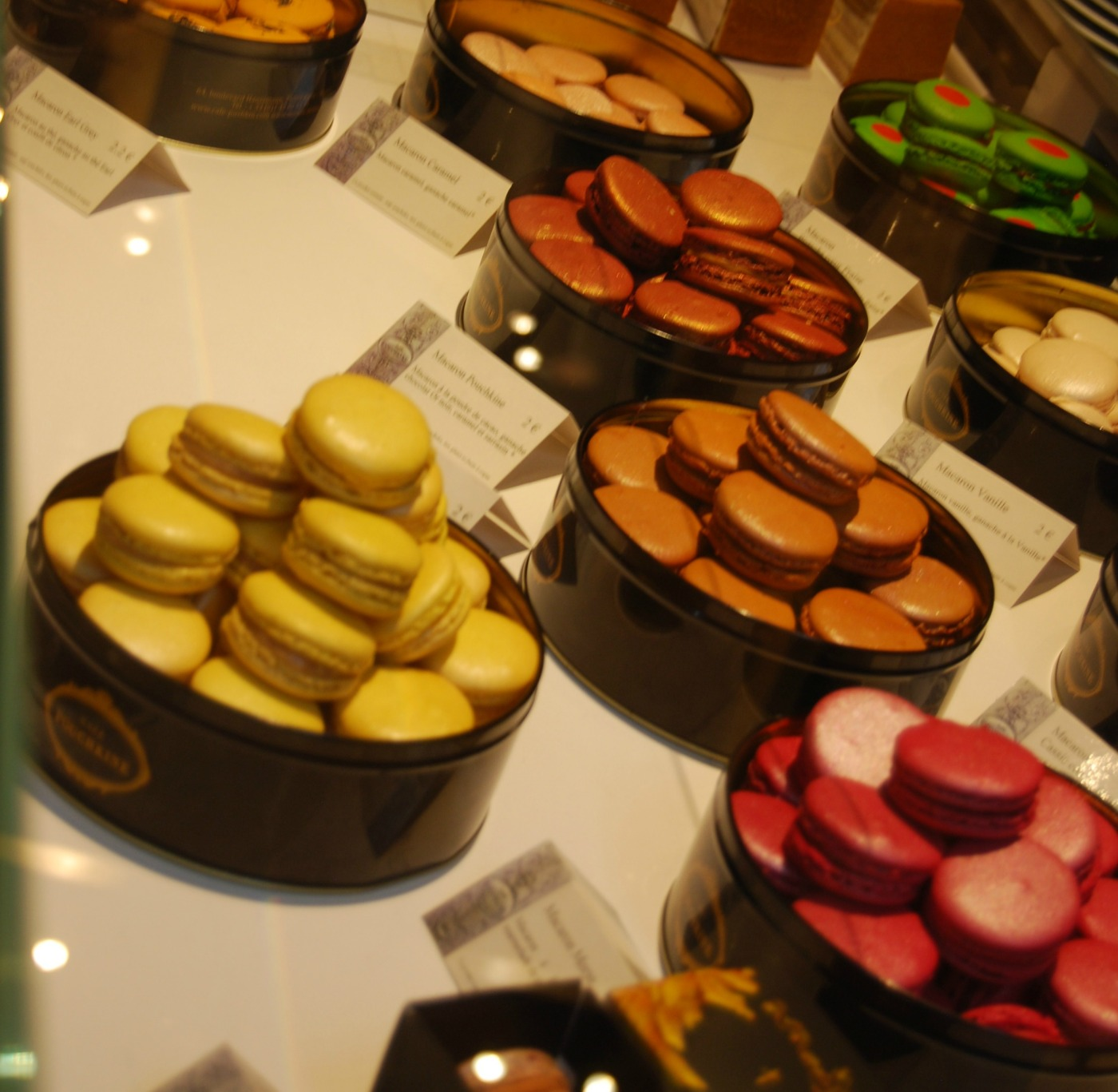 Café Pouchkine--Macarons