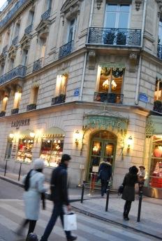 Ladurée--Champs-Élysées