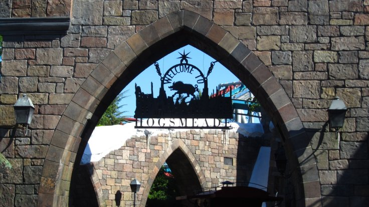 Entrance to Hogsmead